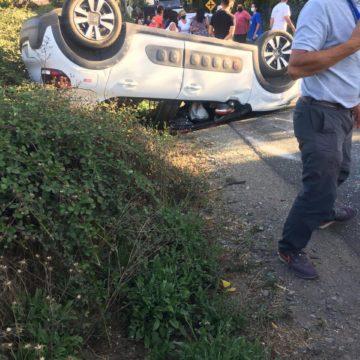 Accidente y volcamiento en Calle Macul